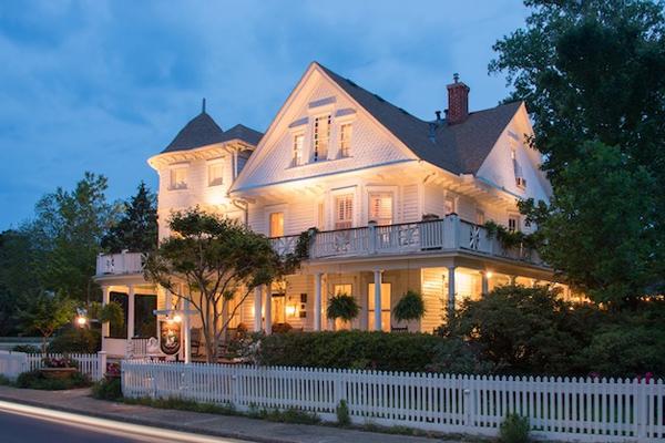 White Doe Inn Bed Breakfast Manteo Roanoke Island Outer Banks, NC