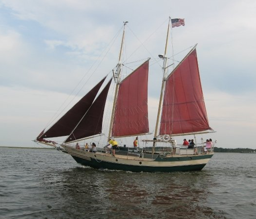 Downeast Rover Sailing Charters Outer Banks 01.png